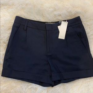 New w/tags! VINCE Slouchy Roll Cuffed Shorts